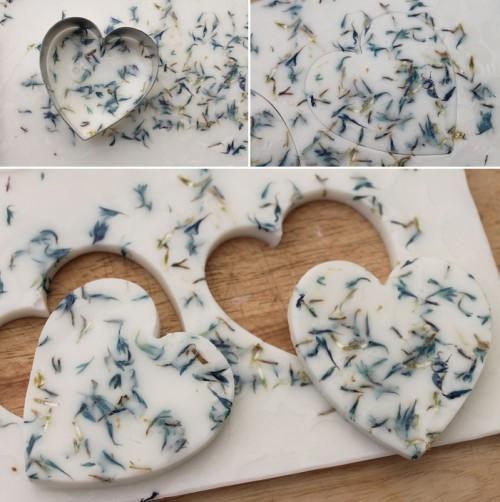 All-Natural DIY Herb Soaps As Wedding Favors | Weddingomania - Weddbook