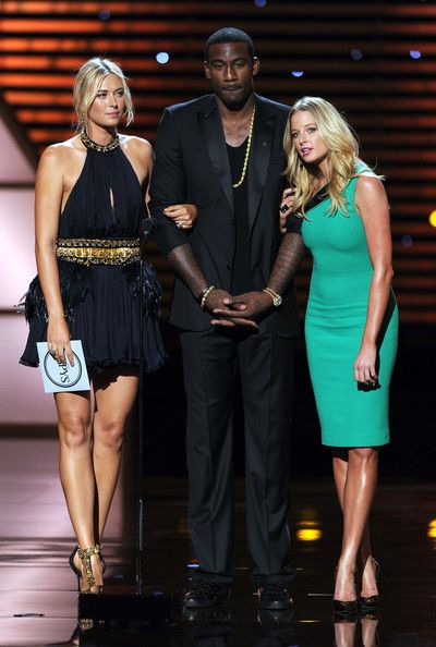 Maria Sharapova Amare Stoudemire Photos - (L-R) Tennis player Maria Sharapova, NBA player Amar'e Stoudemire and actress Rachel Nichols present the ESPY for Best Upset during The 2011 ESPY Awards at Nokia Theatre L.A. Live on July 13, 2011 in Los Angeles, California. - The 2011 ESPY Awards - Show