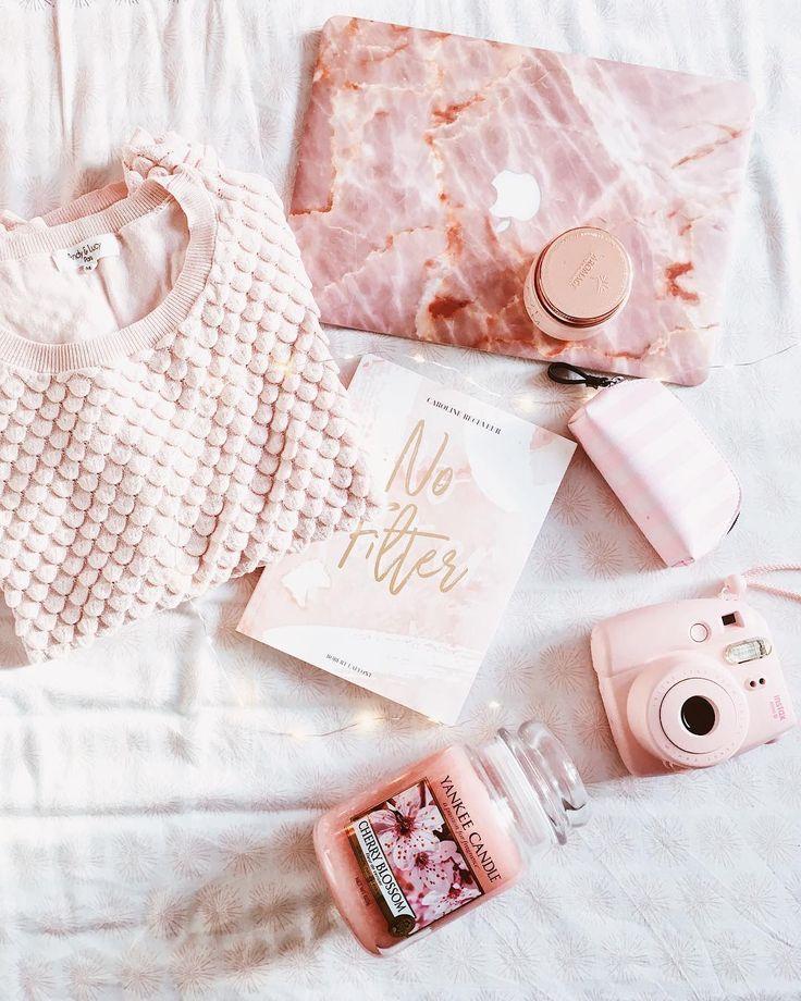 1 194 Likes 144 Comments Carole R Unheureuxhasard On Instagram Rose Moi Accro Au Rose Un Tout Petit Peu Be Deco Rose Gold Instagram Idees Instagram