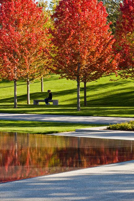 Lakewood-Cemetery-Garden-Mausoleum-Landscape-by-Halvorson-Design-Partnership-007.jpg (433×650)