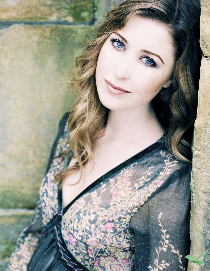 Hayley Westenra with the voice of an angel. She is truly a singing inspiration to me. I strive to sing like her.