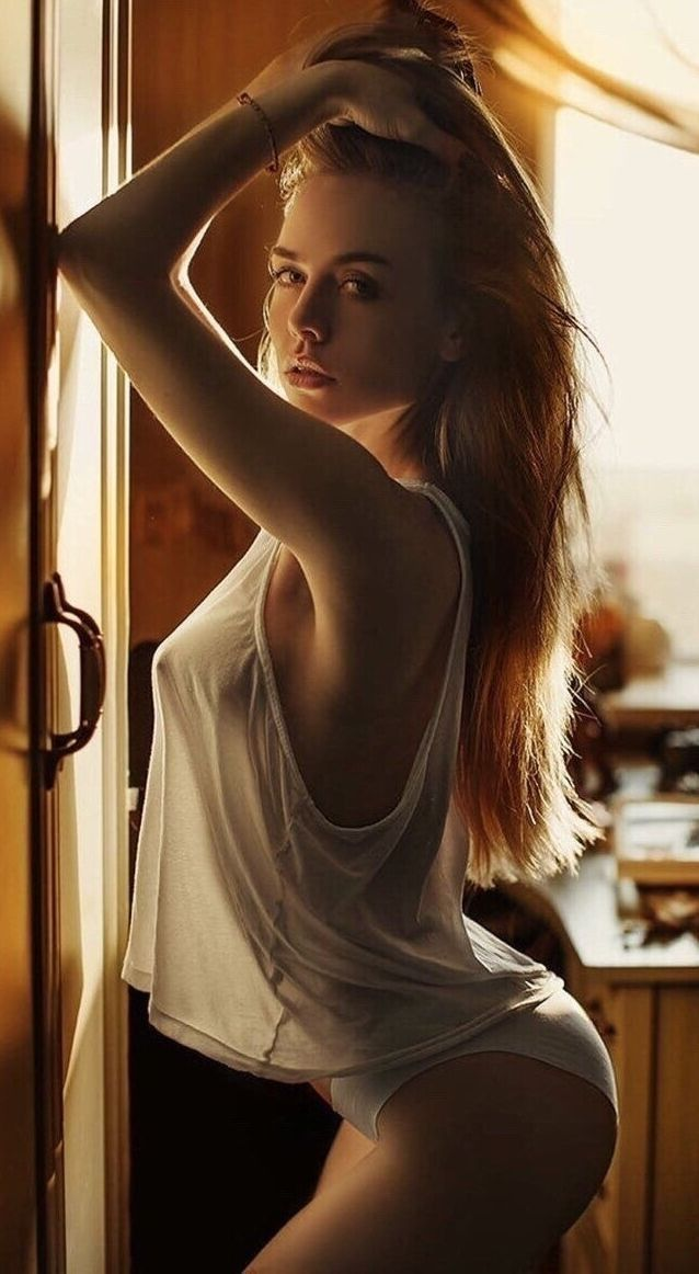 Κόκκινο κεφάλι γυμνό μοντέλα