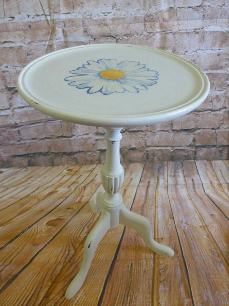 Side/Occasional/Wine Table Shabby Chic Daisy Decoupage Upcycled Grey Chalk Paint
