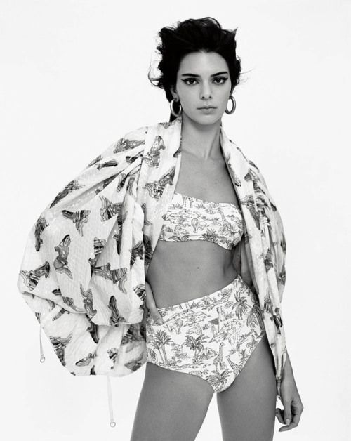 FR Daily News – Kendall Jenner and Vittoria Ceretti pour Vogue US …
