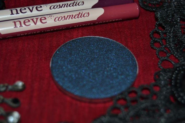 leggi sul blog la recensione della nuova Neogothic collection di Neve Cosmetics