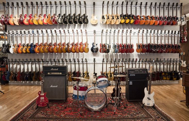 Chicago Music Exchange 10,000 Sq ft Showroom