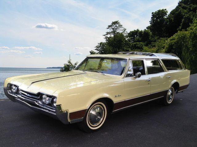 1967 Oldsmobile Vista Cruiser Station Wagon Cars Vista Cruiser Classic Chevy Trucks