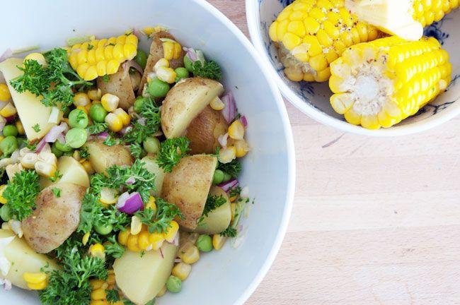Sommersalat med majs og kartofler