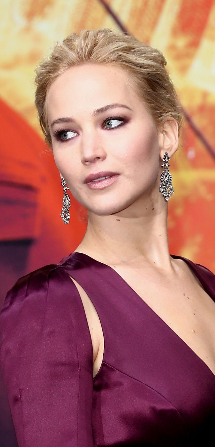 Jennifer Lawrence Is Her Best, Most Jennifer Lawrence-Self at the 'Mockingjay…