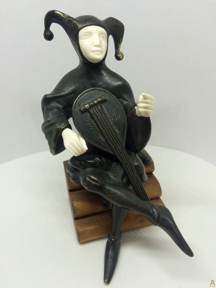 Арлекин с банджо, 1930г.