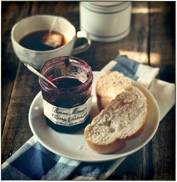 """All happiness depends on a leisurely breakfast"" John Gunther ~ photo from Hannah Queen's flickr stream"
