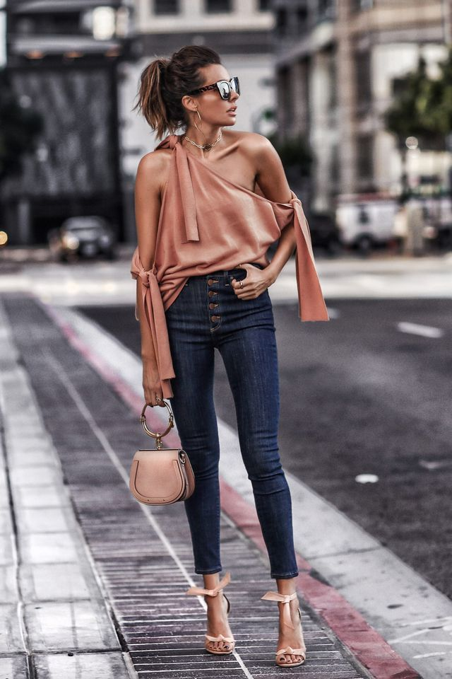 55af3c6f30 30 Casual Summer Outfits With Jeans To Copy This Year