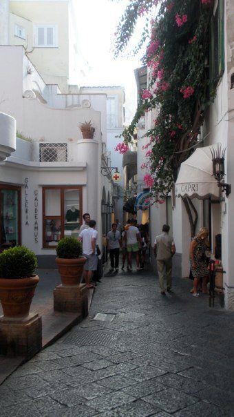 Capri, Italy. Such pretty streets...