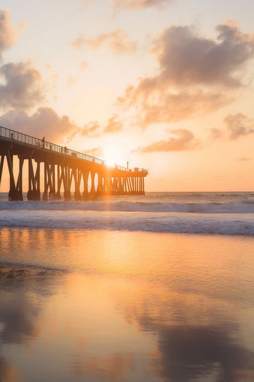 Hermosa Beach Pier sunset, Los Angeles' Southbay  (by Bobby Gibbons on 500px)