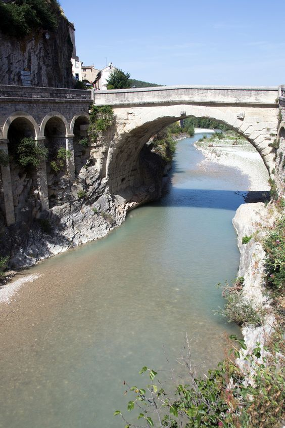 The famous Roman bridge of Vaison-la-Romaine in Vaucluse, a Roman city in the heart of Southern France.