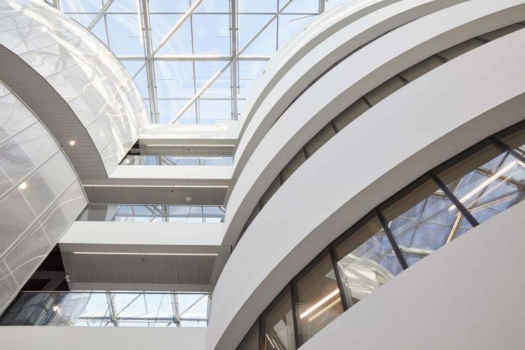 Kordekor   Innoverende interieurs    #white #interior #strechwall #artolis #spacious #acoustic #atrium  Barco, Kortrijk