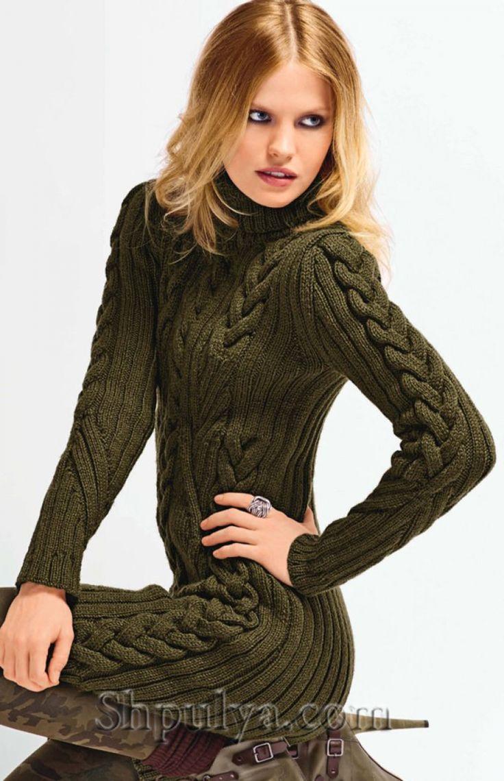Зеленое платье с узором из кос, вязаное спицами