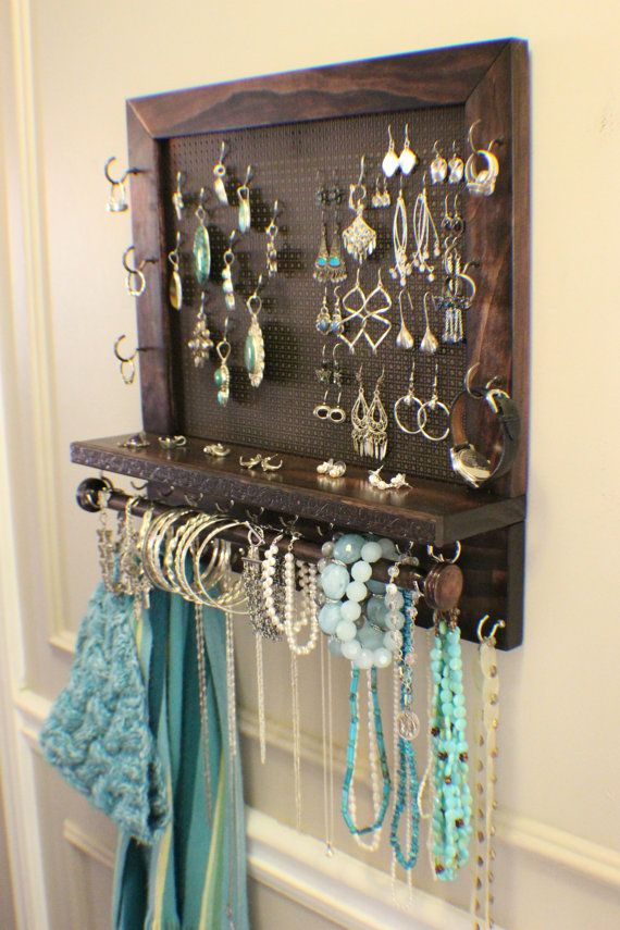 wall mounted jewelry organizer woodworking projects plans. Black Bedroom Furniture Sets. Home Design Ideas