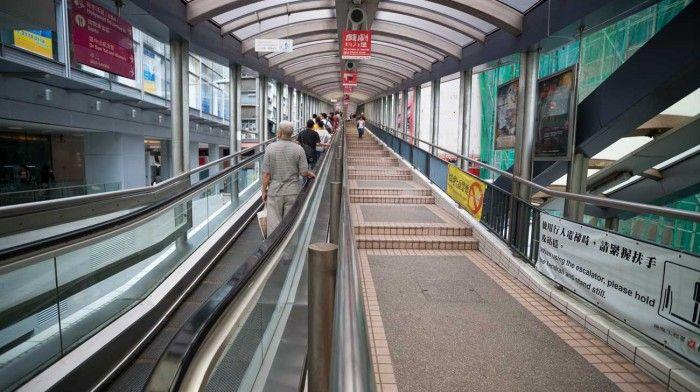 La escalera mecánica más larga del mundo está en Hong Kong y te lleva al cielo