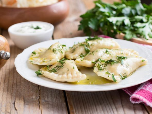 Rezept für polnische Pierogi ruskie mit vegetarischer Füllung aus Pilzen