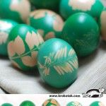 Tradition+in+green+–+egg+dyeing+with+grass+and+flowers