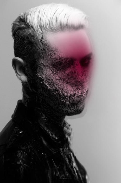 Michael Ostermann is een Oosterijkse illustrator.  Hij creert somber. Donker-minded en abnormale digitale kunst. Ook expirimenteerd hij met surrealistische concepten. Ook maakt hij gebruik van verschillende foto-manipulatie technieken zoals in deze foto. Ontzettend mooi aan deze foto vind ik het ruwe in combinatie met de roze kleur. Ook de combinatie van foto en bewerking vind ik erg mooi.