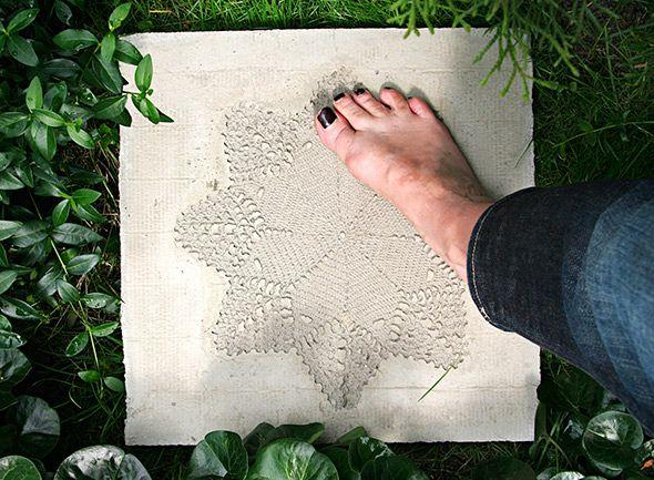 Tee itse betonista – Pitsikoristeltu pihalaatta – Anna&Ellit