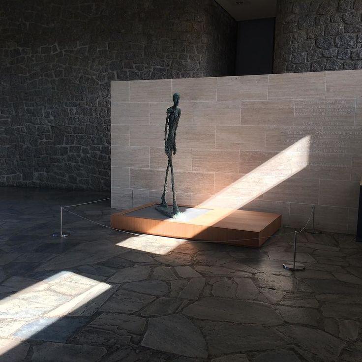 Giacometti UNESCO Paris. #inspiration #paris #sculpture #artinparis #walkingman #light #institution #international