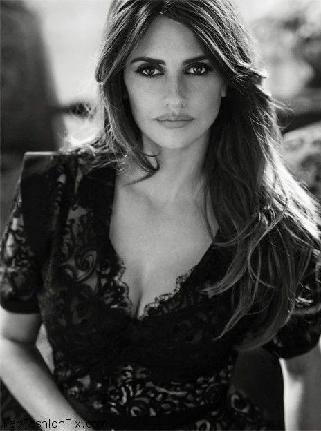 Penelope Cruz... Beautiful intense eyes<3