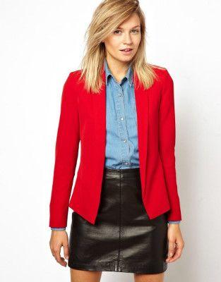 Красный Пиджак - это легендарная программа, разработанная самой Мэри Кэй Эш, основательницей нашей Компании.