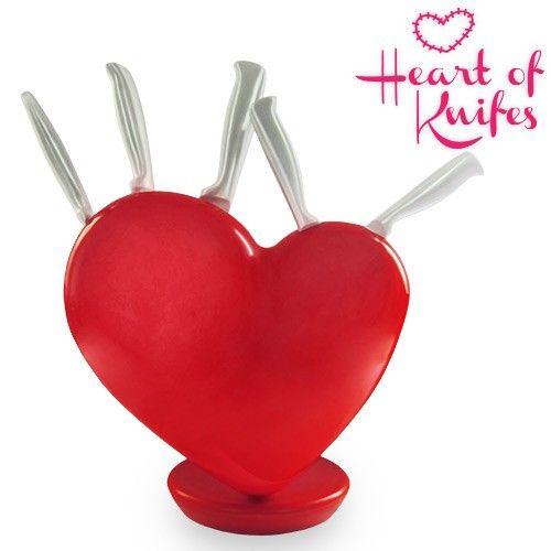 El mejor precio en Fitness Deportes y Ocio en tu tienda favorita  https://www.compraencasa.eu/es/articulos-romanticos-2/1159-juego-de-cuchillos-soporte-corazon-heart-of-knifes.html