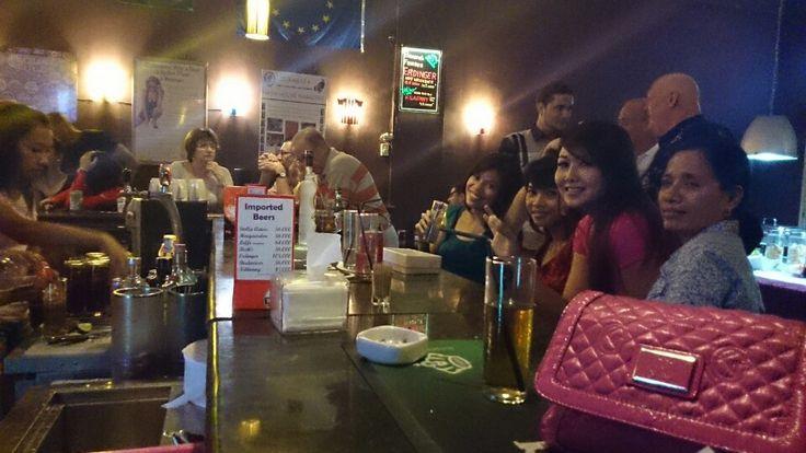 15 Palms Pub & Sports Bar in Surabaya, Jawa Timur