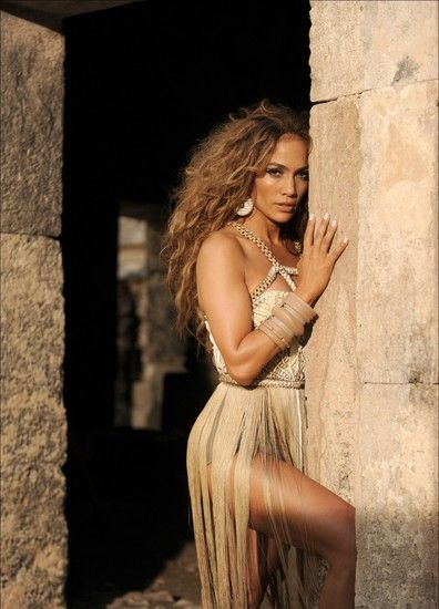 NEED this dress <3 jlo