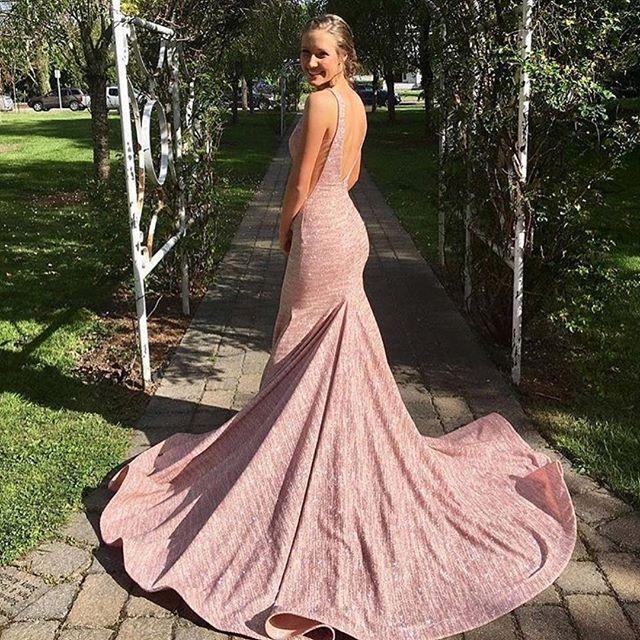 Mejores 125 imágenes de Jovani at Your Prom: 2017 en Pinterest ...