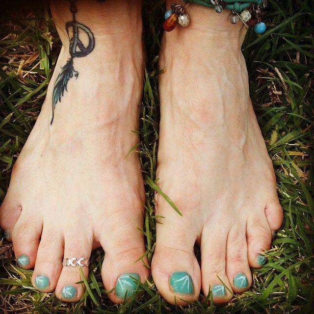 Cute colors.  #hippie #hippiechicktrainer #hippiefashion #bohemian #hippiefashion #bohemianfashion #toenails #nailpolish #pedicure #beauty #hippiemum #hippiemummies #beautytherapy