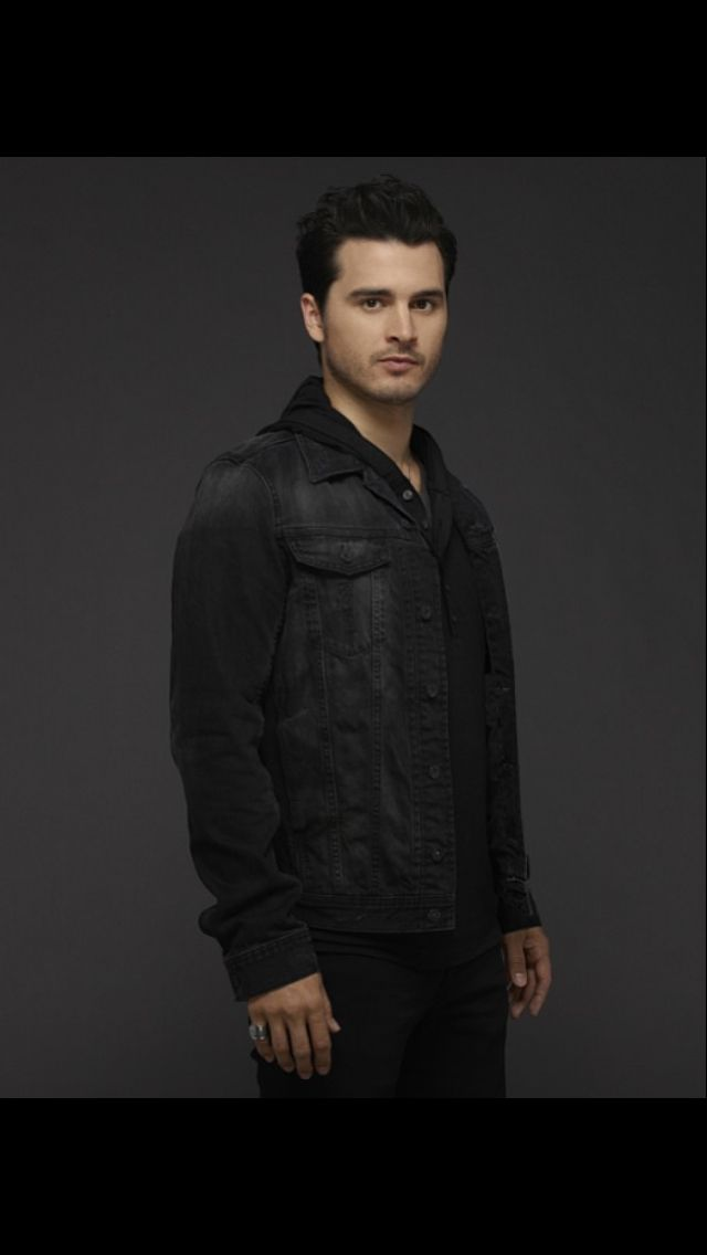 Enzo promotional photo season 6