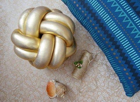 WEBSTA @ repkins_handmade - Наш золотой красавец✨ Такой украсит даже самый пасмурный день⛅
