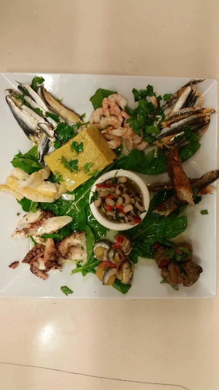 Deniz ürünleri tabağı; ahtapot, çiroz, hamsi sardalya, karides, kara börülce ve fava.  Rez.Tel: 0 (224) 549 23 03 / www.anadolulezzet...   #fish #balık #ramazan #iftar #bursa #bursaturkey #bursablogger #bursamagazin #bursanilüfer #bursagece #yemek #dünyamutfağı #food #breakfast #delicious #eating #fresh #tasty #anadoluetlokantası #anadoluet #anadolulezzeti  #ahtapot  #fava  #çiroz  #hamsi  #sardalya  #karides