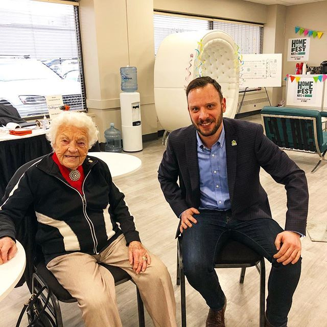 Hanging out with the #incredible Hazel McCallion talking #home #renovations and the all new upcoming @homeshowsto #HomeFest. Nov. 2-4 at the International Centre in #Mississauga. @bildgta @renomark_ca #reno #homerenovation #homereno #hazelmccallion #renomark #homedecor #toronto #lifestyle #tradeshow #consumershow #torontolife #pro #professionalrenovators #mayor