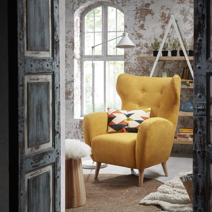 Fris & Scandinavisch dat is deze stijlvolle Got kruk van La Forma! #Scandinavian #home #interior #wood #natural #kruk #footrest #decoration #inspiration #design #interieur #huis #furniture #meubels #hip