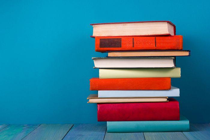 運命を変える1冊に出会えるかも? インテリア事例でよく見かける、テーブルの上に平積みされた分厚いアート本や写真 […]