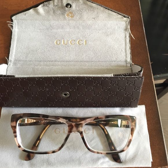 Gucci Eyeglasses tortoise style GG3559 Square Gucci eyeglasses....currently have perception lenses that can be changed....comes with original case and cleaning cloth...rose gold GG on side Gucci Accessories Glasses