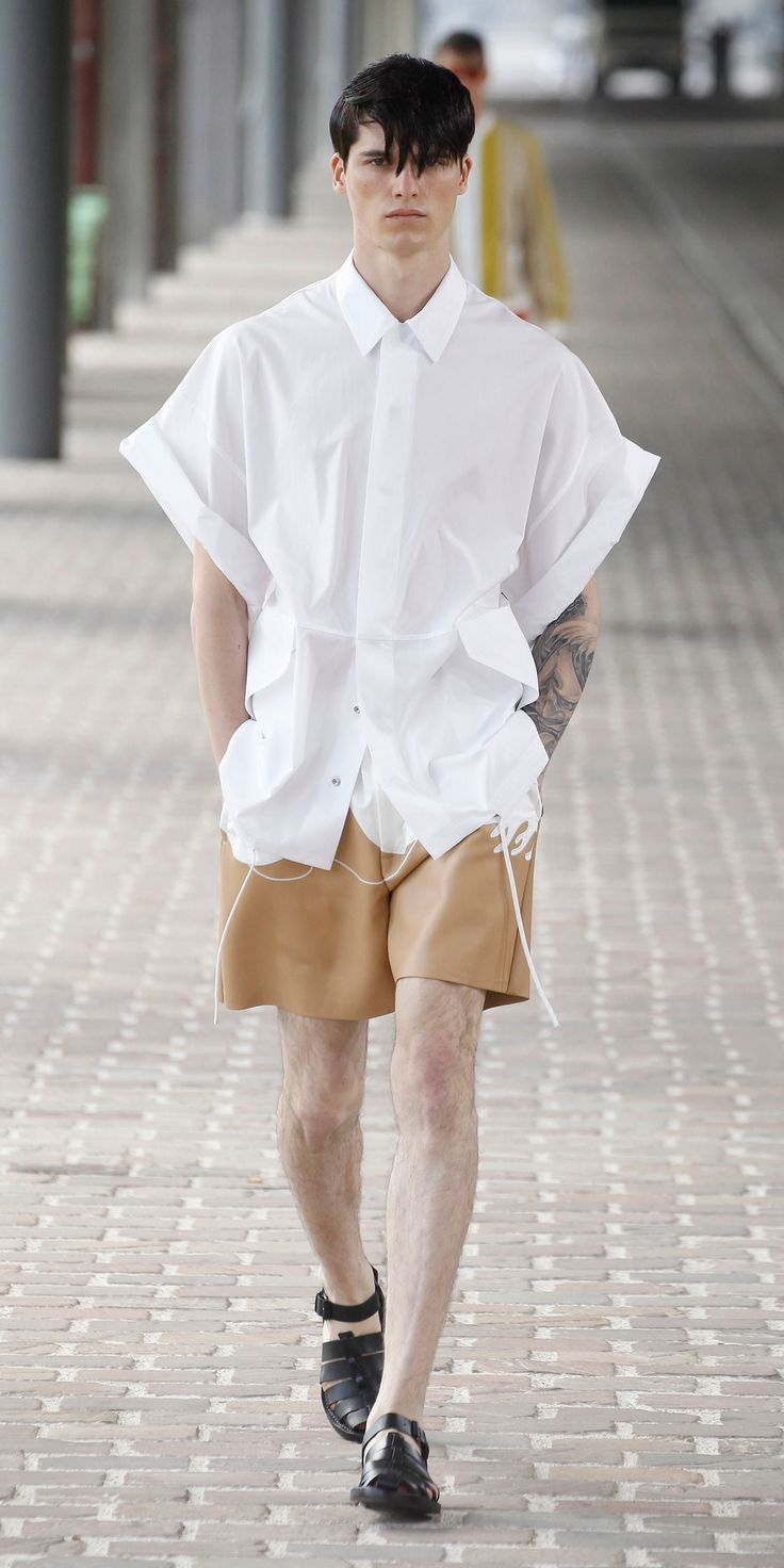 Shirt design gents - White Oversized Shirt Jacket With Drawstring Waist Nude Scuba Leather Athletic Short With Seamed Wave Applique Mens Designer