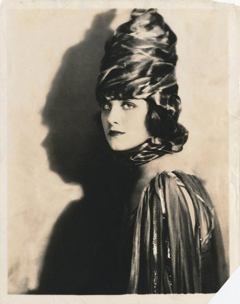 Dorothy Dickson | Ziegfeld girls, Ziegfeld follies