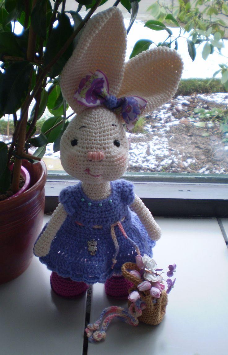 Konijntje met jurk gemaakte poppen en dieren Pinterest ...