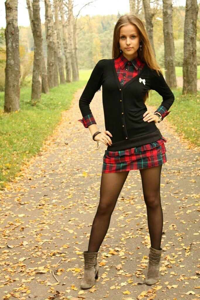 Девушки в коротких юбках и колготках фото 85887 фотография
