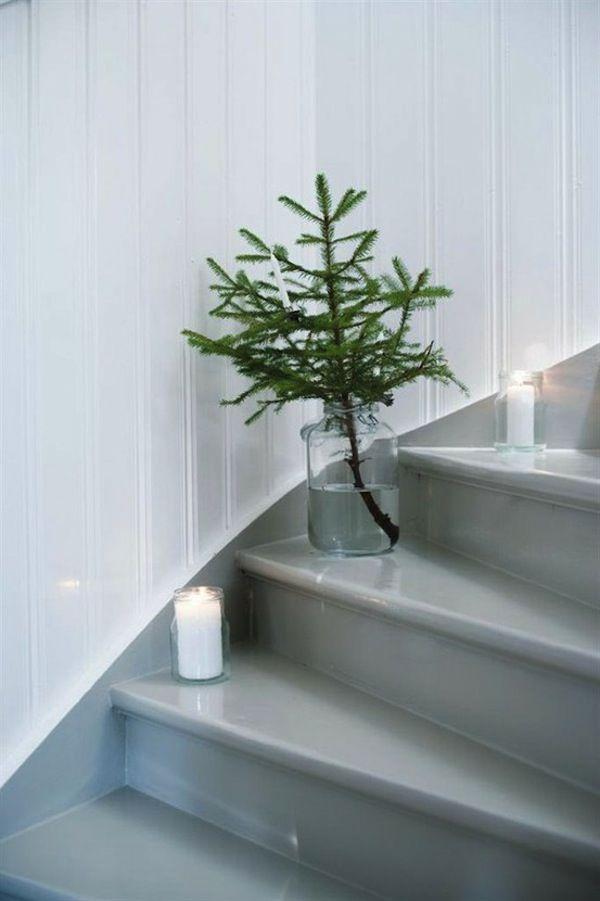 5 Simple Christmas Table Settings + Decor Ideas