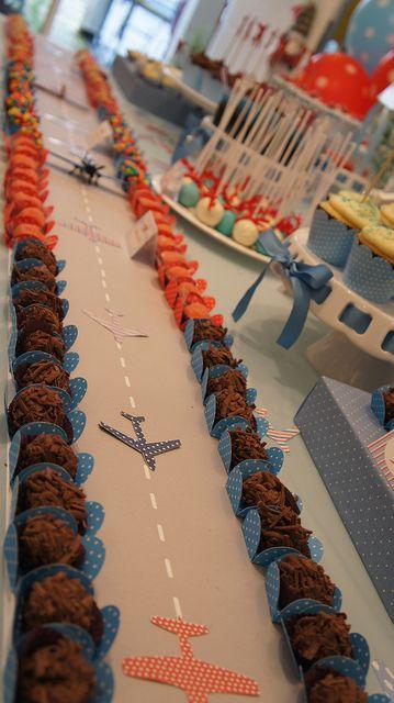 Festa de aviador com direito a pista e tudo!