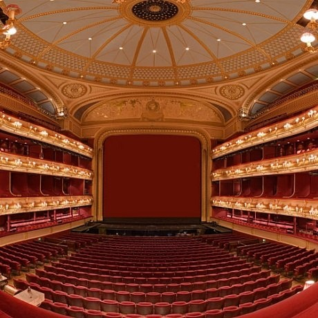 The Royal Opera House, London: Definitely want to see an opera here!