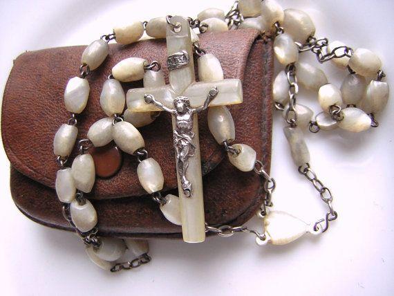 Chapelet ancien perles de nacre médaille centrale par MILLETRESORS